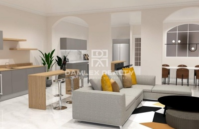 Apartamento reformado en Zona Alta.