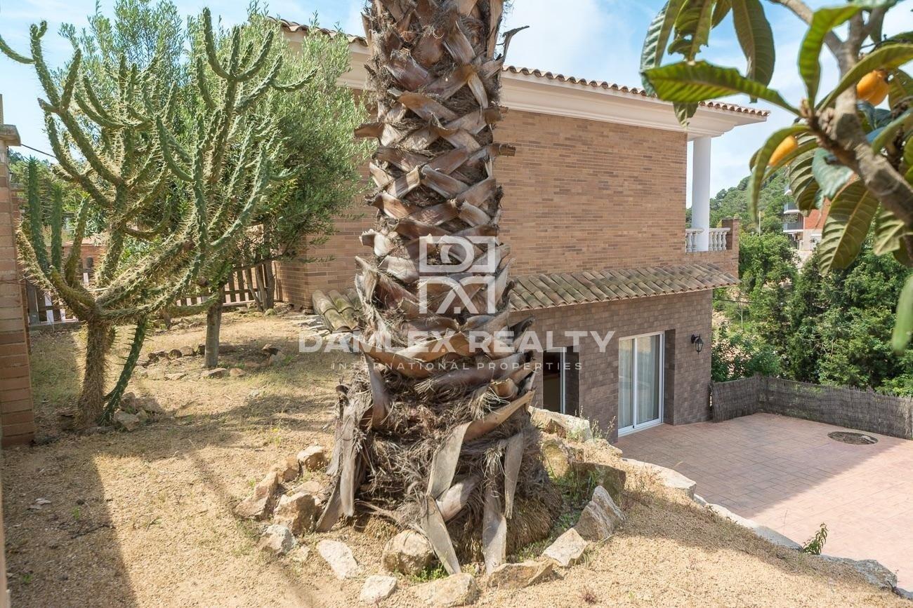 Gran villa en el corazón de Serra Brava con licencia turistica y vista mar