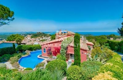 Acogedora villa con espléndidas vistas al mar en Begur