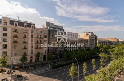 Apartamento en el centro de Barcelona con vistas a Paseo de Gracia.