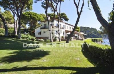 Villa con vistas espectaculares al mar en Costa Brava