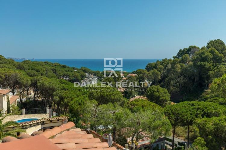 Villa con licencia turística a 1 km de la playa de Pals.