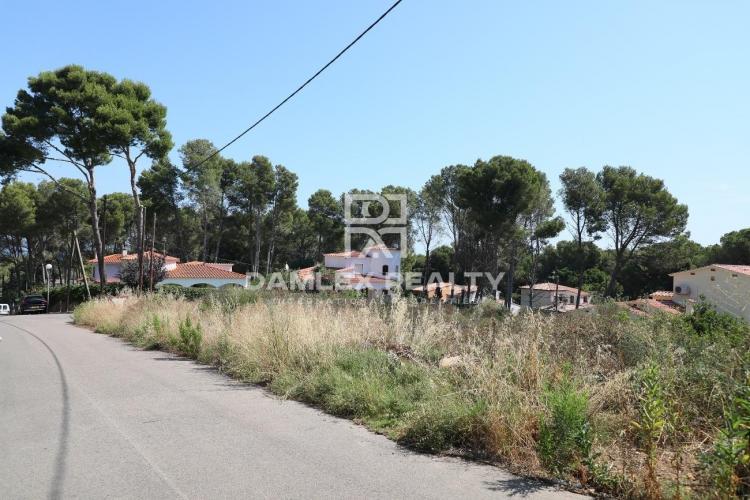 Parcela para la construcción de una villa, a 1 km de la playa de Pals