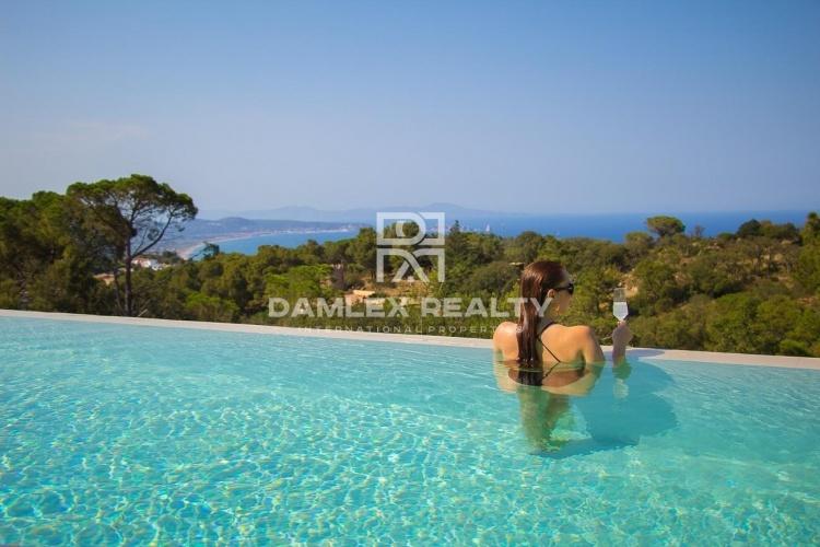 Villa 49, Villa ultramoderna con impresionantes vistas al mar, Costa Brava
