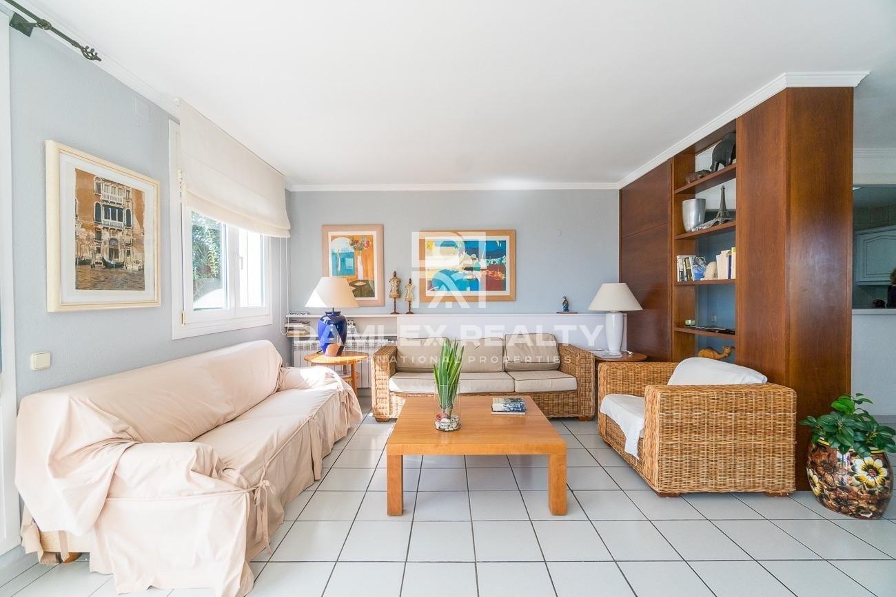 Villa en urbanización de Blanes con vistas al mar