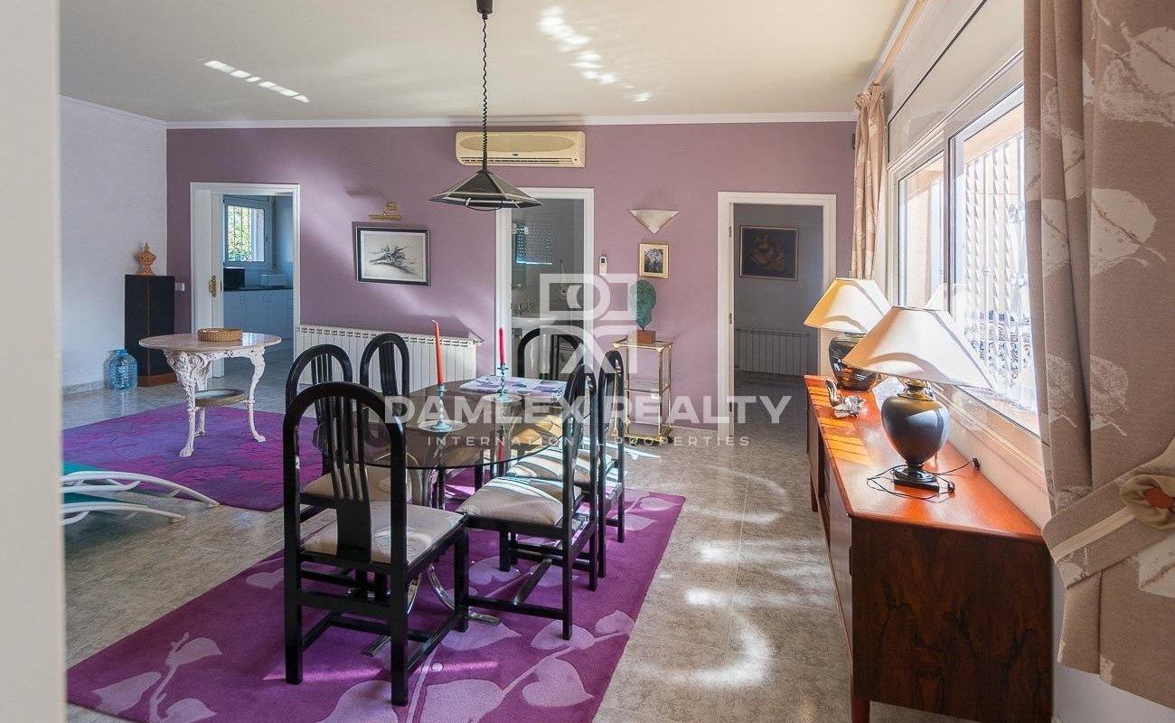 Encantadora casa situada en una zona muy tranquila en las alturas de Lloret