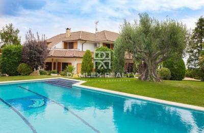 Villa de lujo en la prestigiosa urbanización Can Teixido