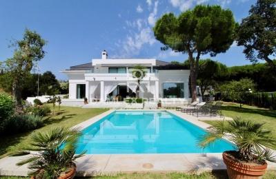 Excelente villa en Cabopino, este de Marbella