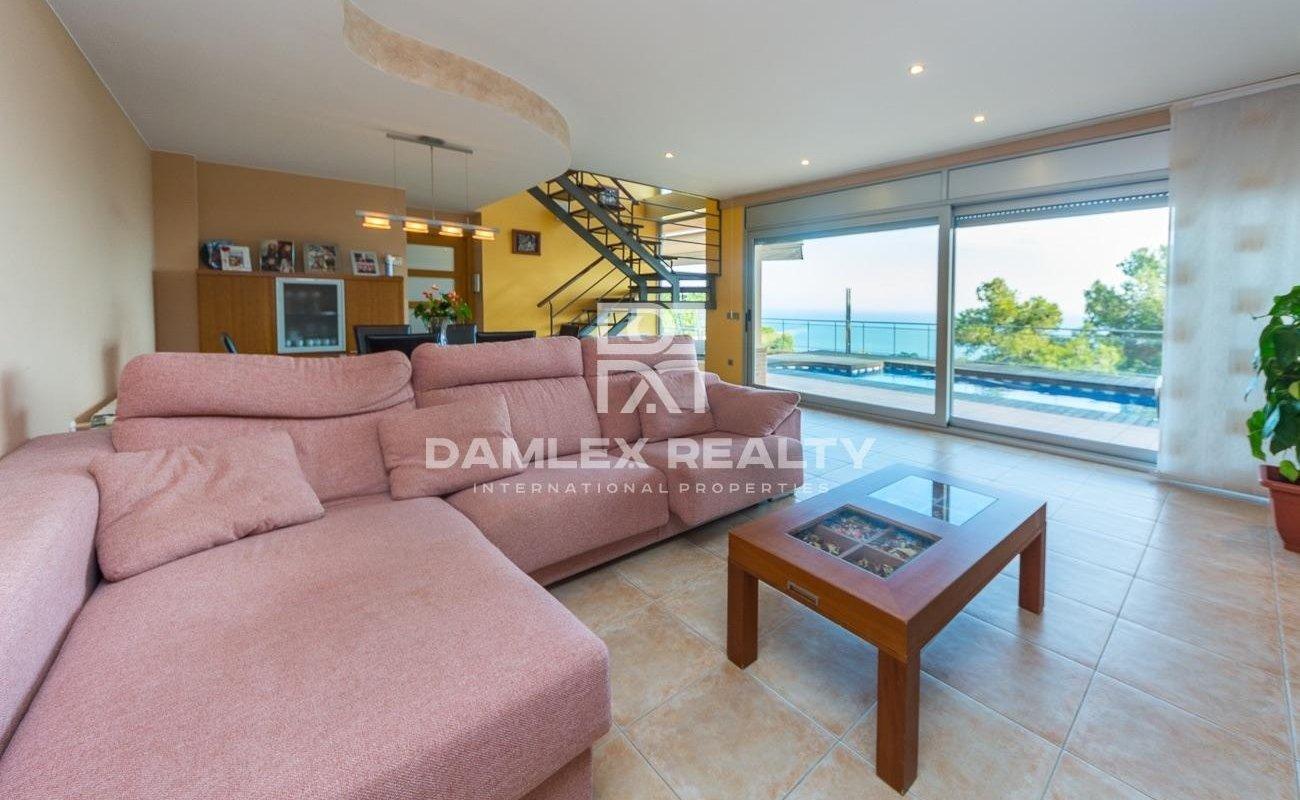 Casa moderna con increibles vistas al mar en Santa Cristina