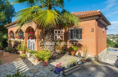 Preciosa casa en las alturas de Lloret de Mar