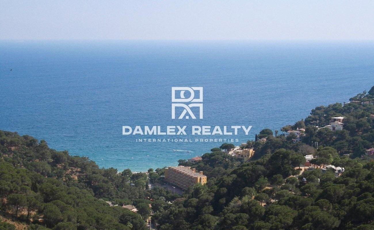 Casa moderna en Lloret de Mar con vistas panorámicas al mar