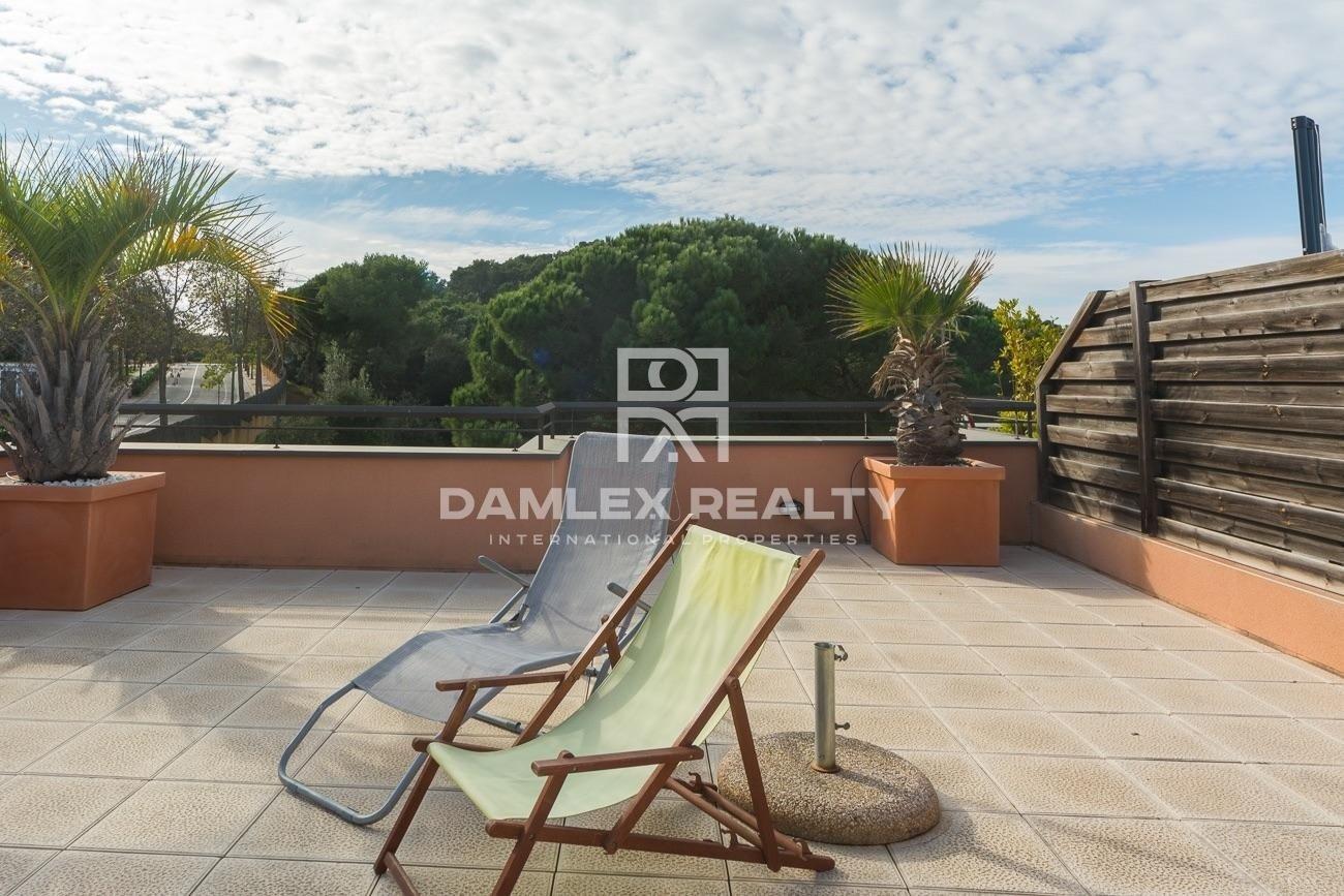Fabuloso ático en residencia de lujo a 300 m de la playa de Sa Boadella.