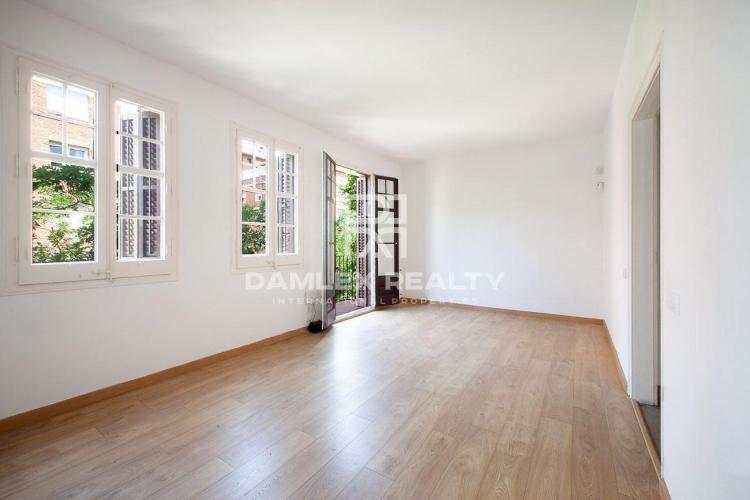 Apartamento reformado en la zona Alta de Barcelona.