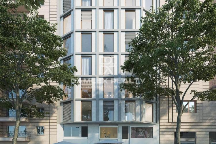 Apartamento de tres dormitorios en el séptimo piso de un edificio con ascensor.