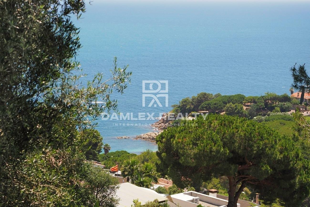 Parcela de terreno con vista al mar panorámica, en Cala Sant Francesc, Blanes