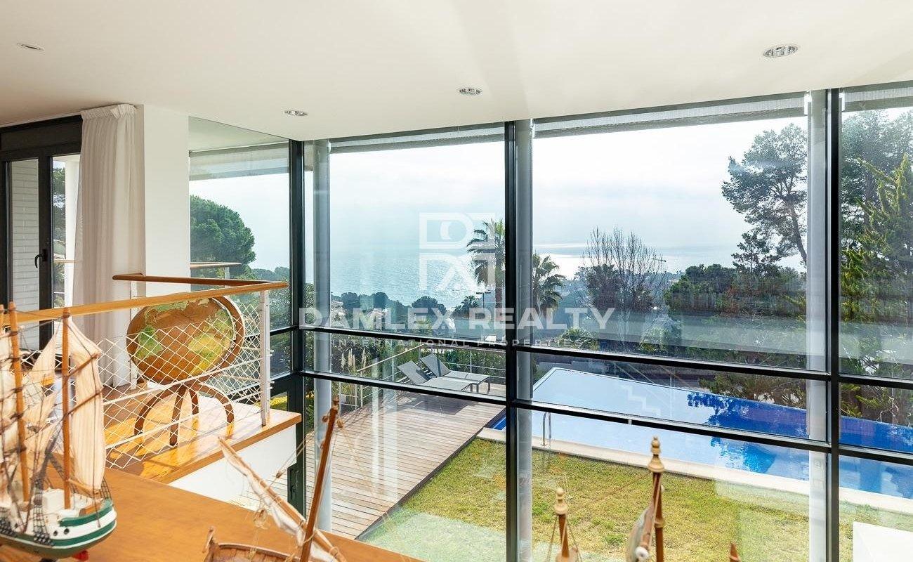 Magnifica Casa con espectacular vista al mar