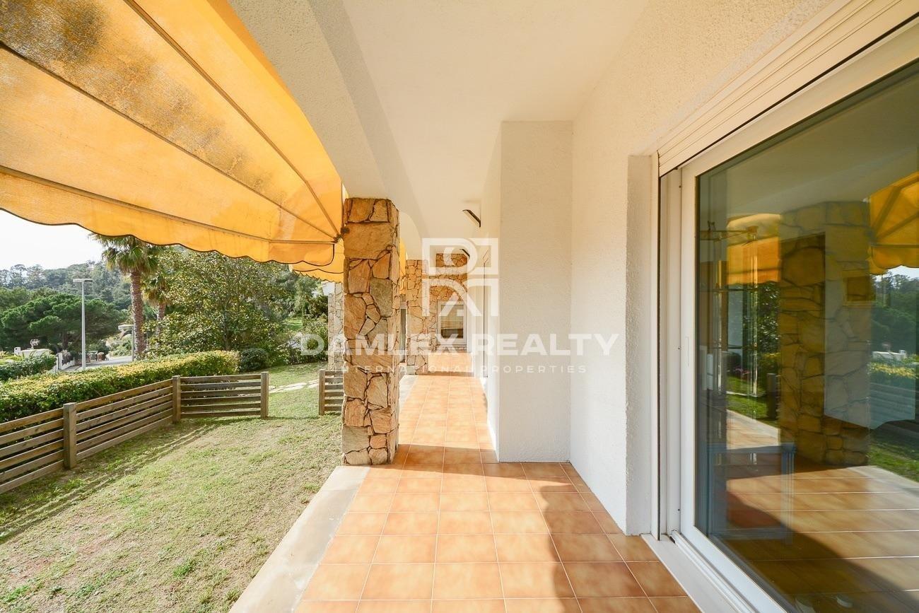 Villa con espléndidas vistas al mar en la lujosa urbanización de la Costa Brava