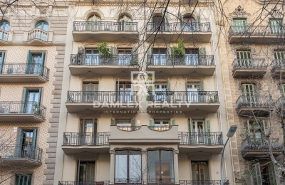 Apartamento a 500 metros de la Rambla de Catalunya.