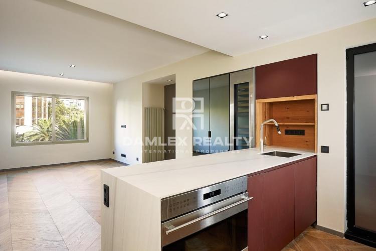 Precioso apartamento reformado en una de las prestigiosas zonas de Barcelona.