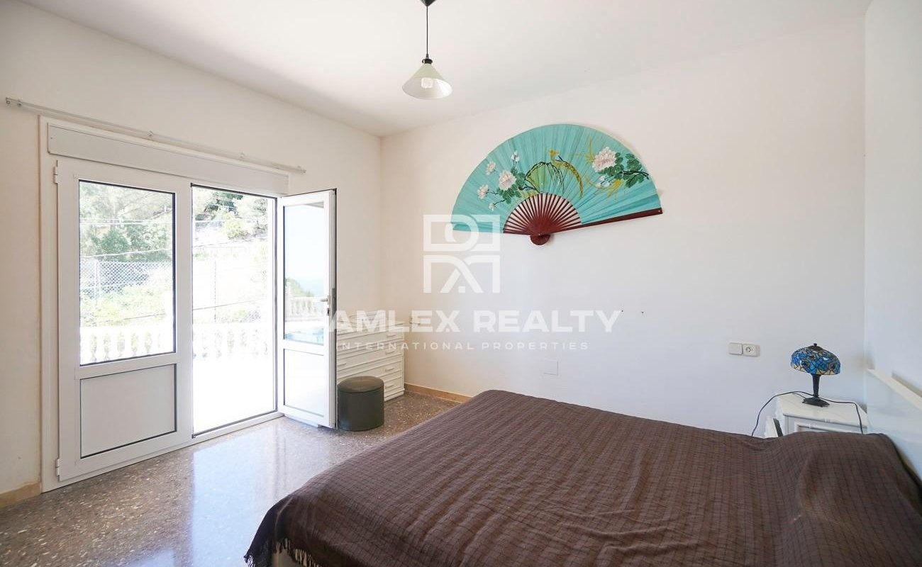 Villa con piscina y vistas al mar en la urbanización Roca Grossa, Lloret de Mar