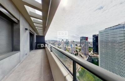 Apartamento en un edificio nuevo en Barcelona con vistas panorámicas a la ciudad