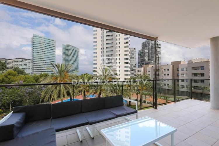 Apartamento en complejo residencial en segunda línea del mar en Diagonal Mar