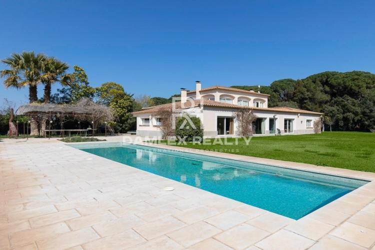 Villa de estilo provenzal. Costa Brava.