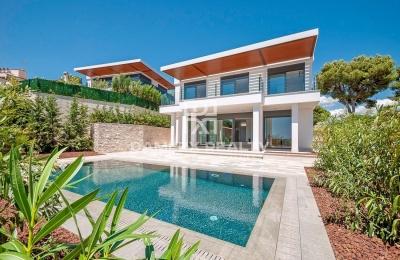 Magnífica villa nueva cerca de la playa en Playa de Aro