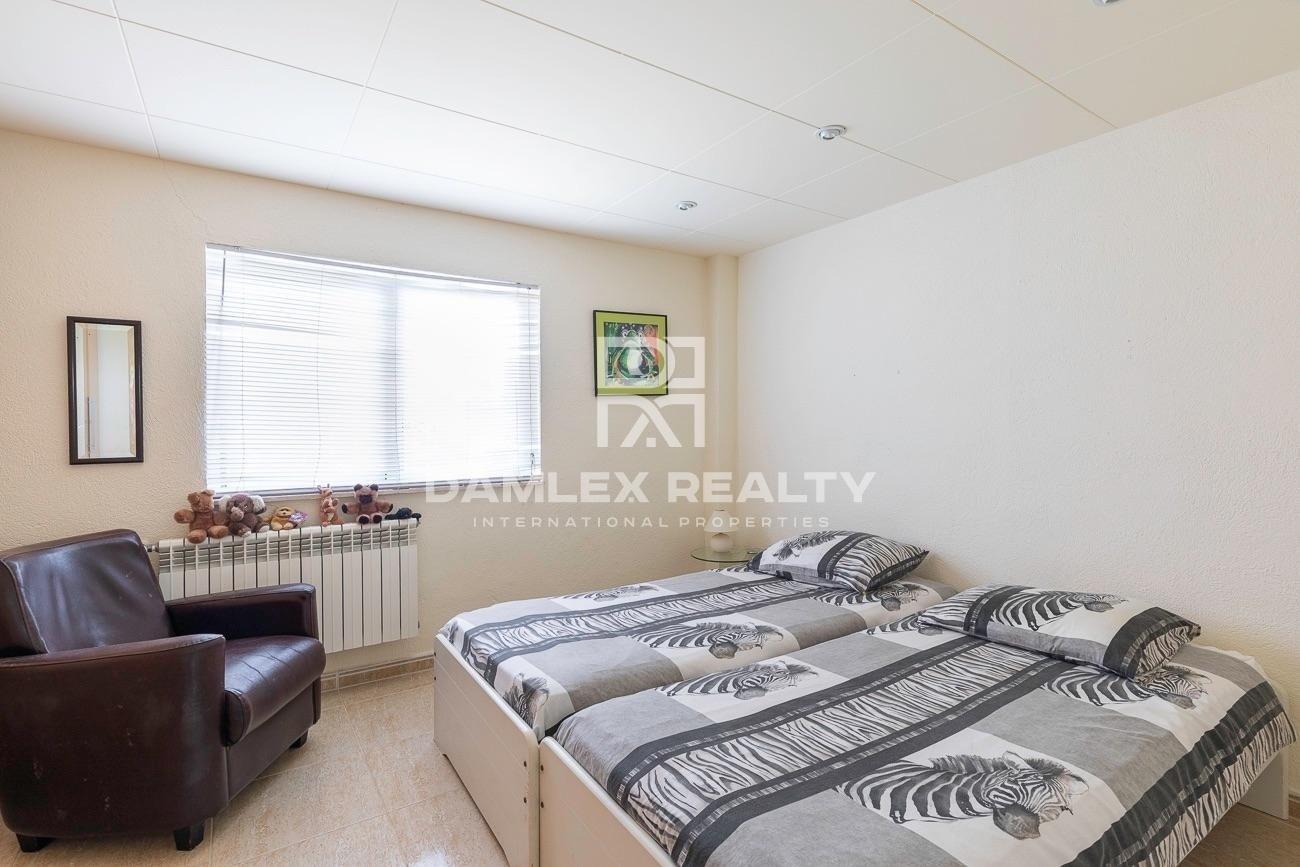 Hermosa propiedad constituida de 4 alojamientos independientes con vista al mar