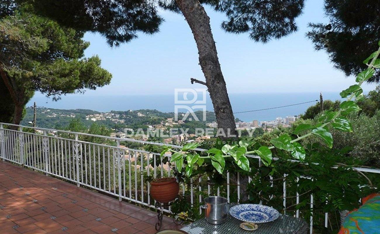 Bonita casa con vistas al mar en Roca Grossa