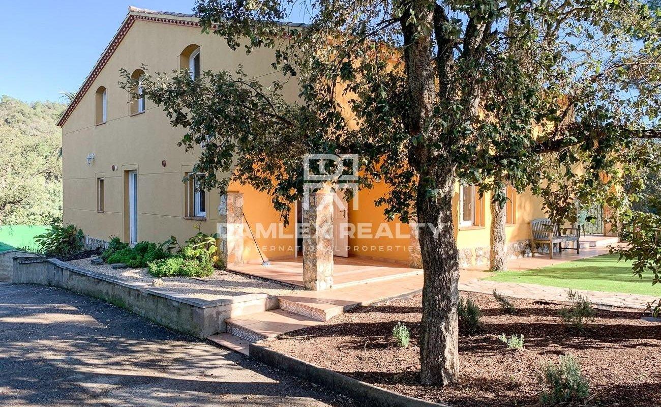 Villa en un bonito entorno natural y tranquilo