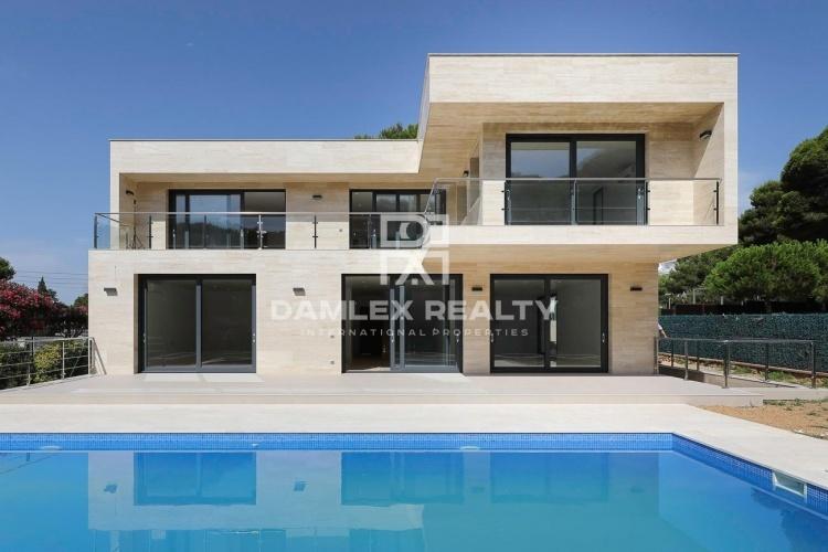 Nueva villa en Platja d`Aro cerca de la playa