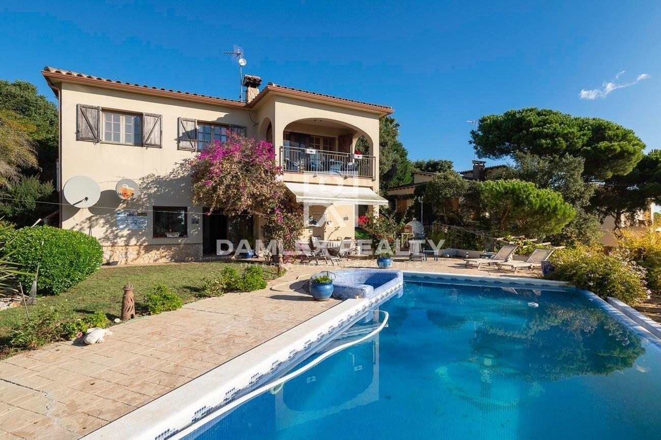 Bonita villa con vistas al mar