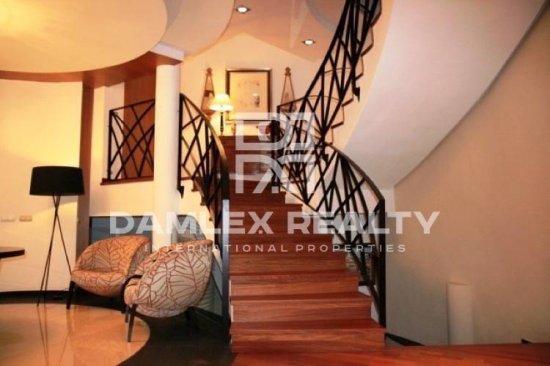 Villa moderna con vistas fantásticas en venta en Costa Brava