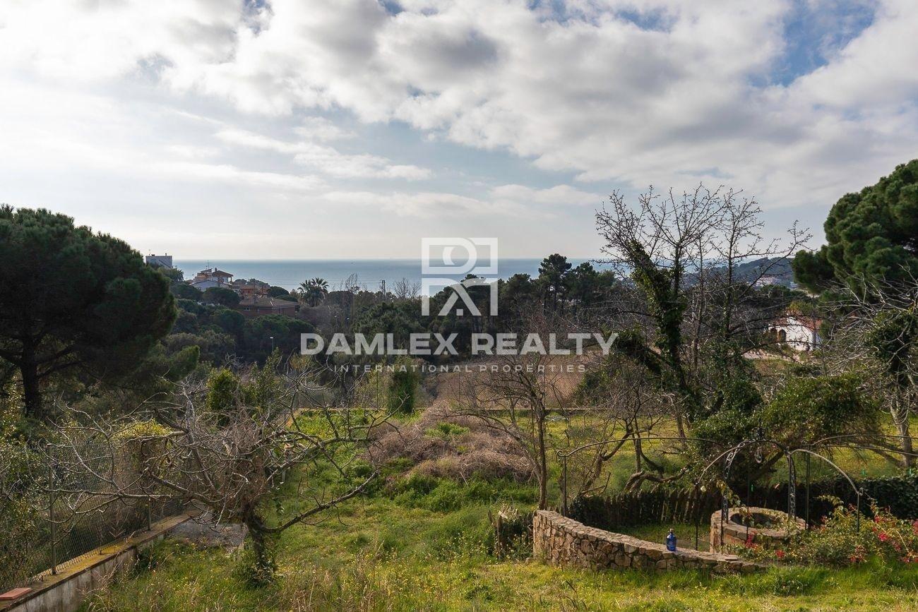 Chalet con vistas al mar, con terreno 2450 m2
