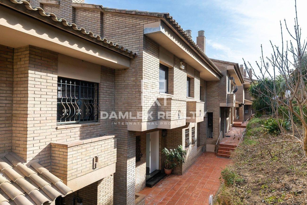 Casa adosada de 450 m2 con vistas al mar y cerca de la playa en Lloret de Mar