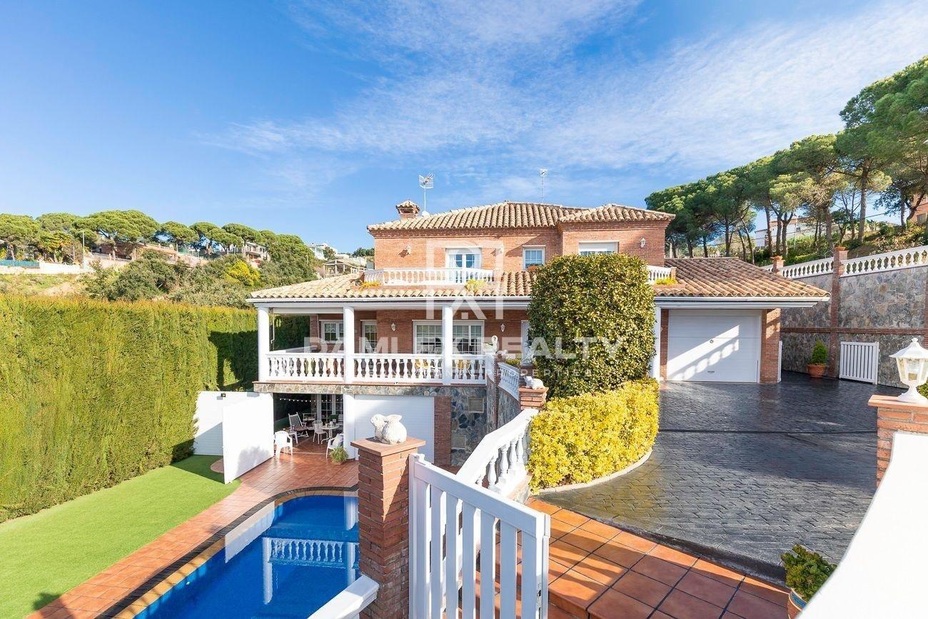 Magnífica casa sin vecinos en urbanización cercana a Lloret de Mar