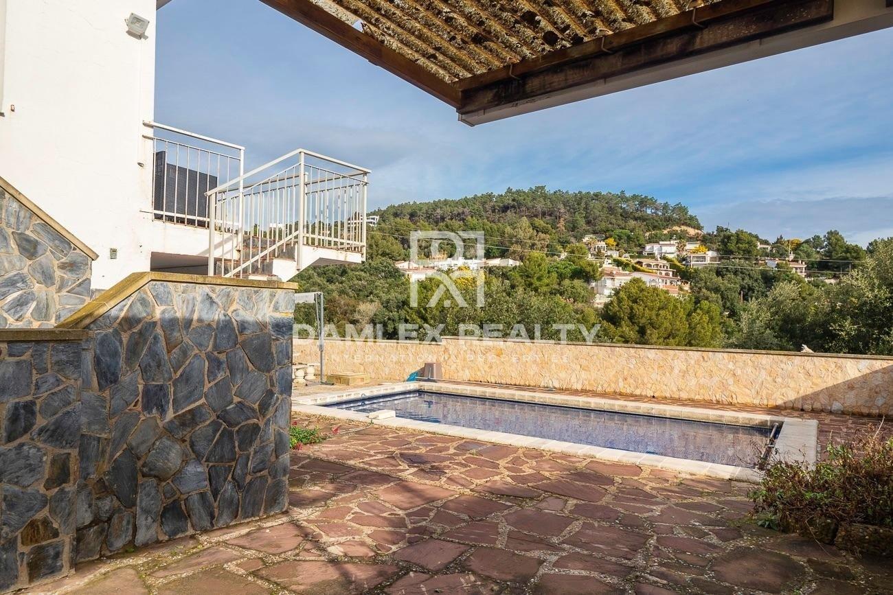 Casa con vista al mar en urbanización Playa Brava