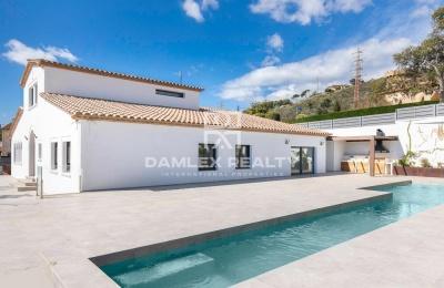 Villa completamente renovada con materiales de calidad, se encuentra en Castell d´Aro