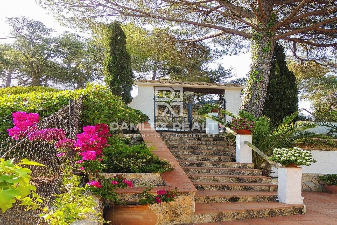 Villa con vistas panorámicas al mar en Lloret de Mar