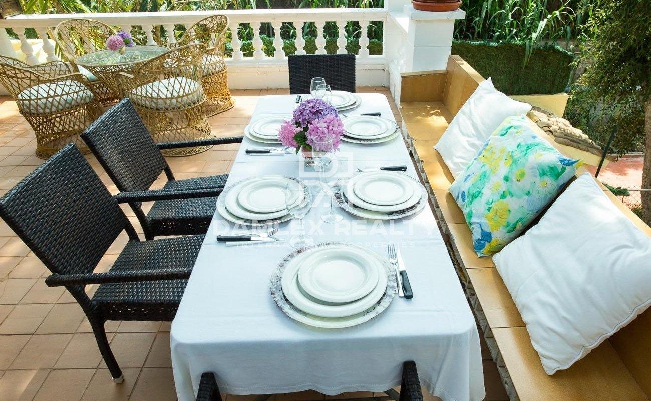 Casa muy bonita de estilo mediterráneo ubicada en Cala Canyelles