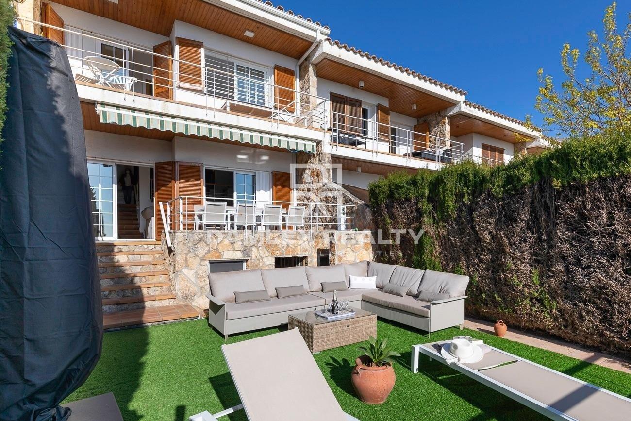 Casa con vista al mar a 200 m de la playa!
