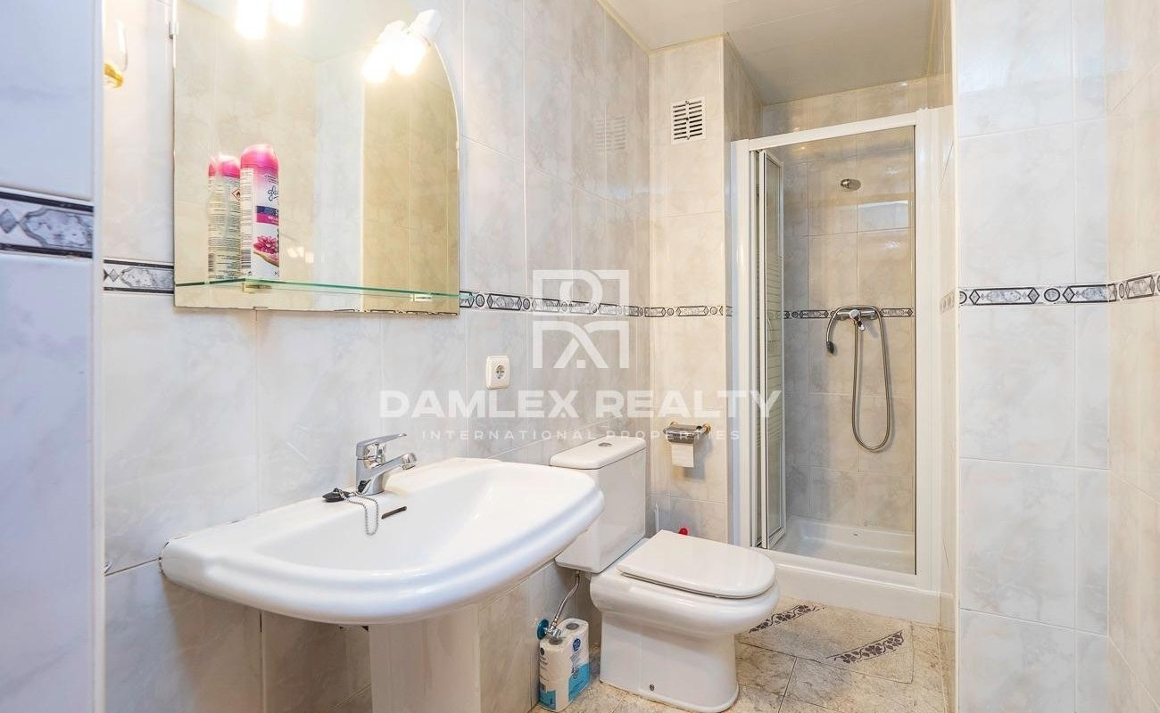 Precioso apartamento, situado a 1 km de la playa de Fenals