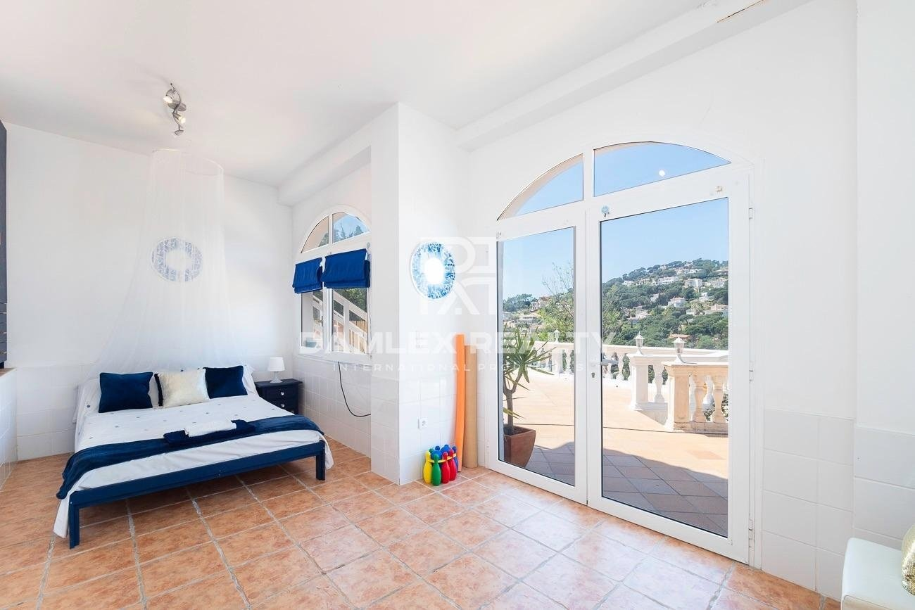 Casa con vista al mar en Serra Brava