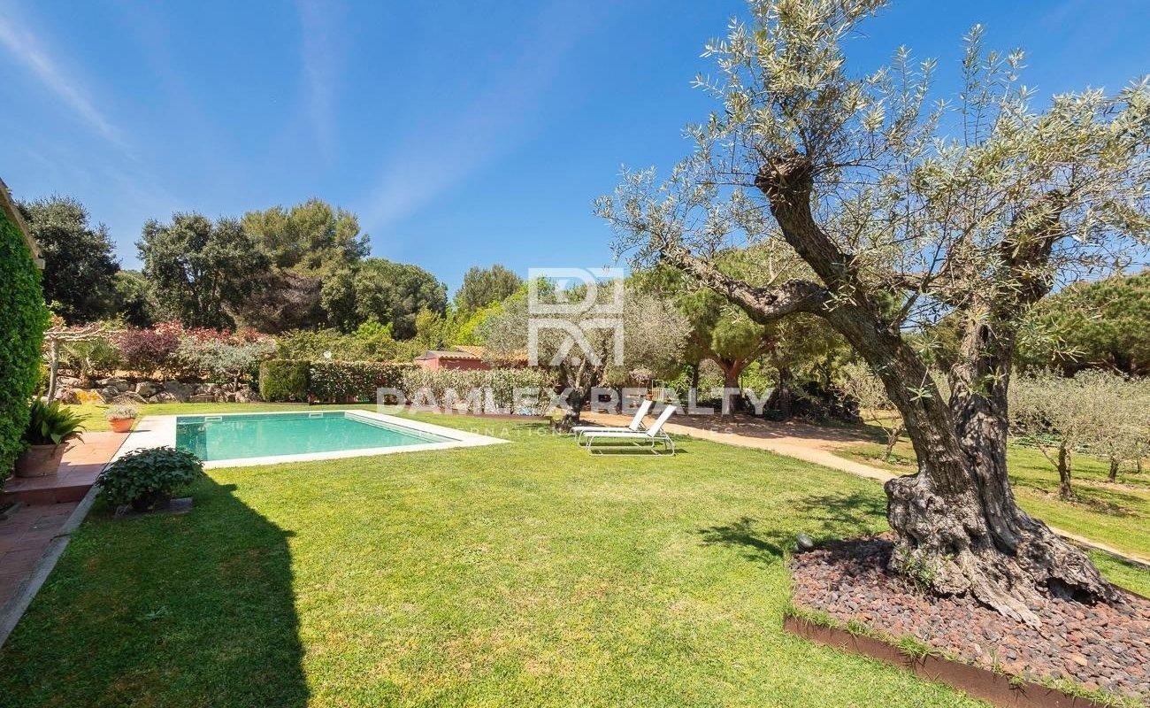 Magnífica masia del siglo XIX a 20 minutos andando de la playa de Sant Feliu de Guixols