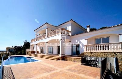 Villa con vistas panorámicas al mar en Platja d`Aro