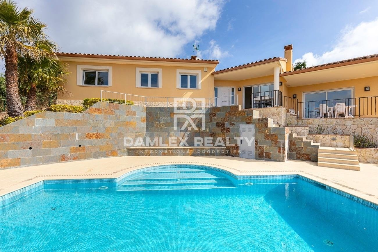 Villa excepcional con una incomparable vista panorámica al mar