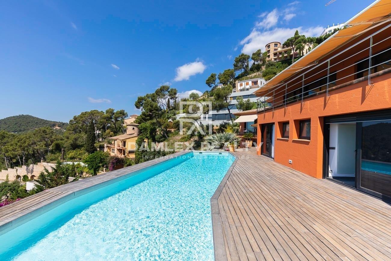 ¡Maravillosa propiedad de lujo ubicada en Aiguablava!