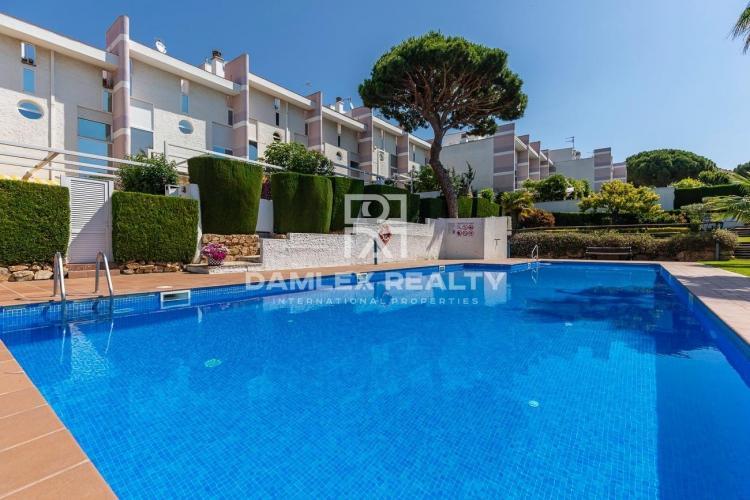 Casa adosada con vistas al mar en un complejo residencial, S`Agaró