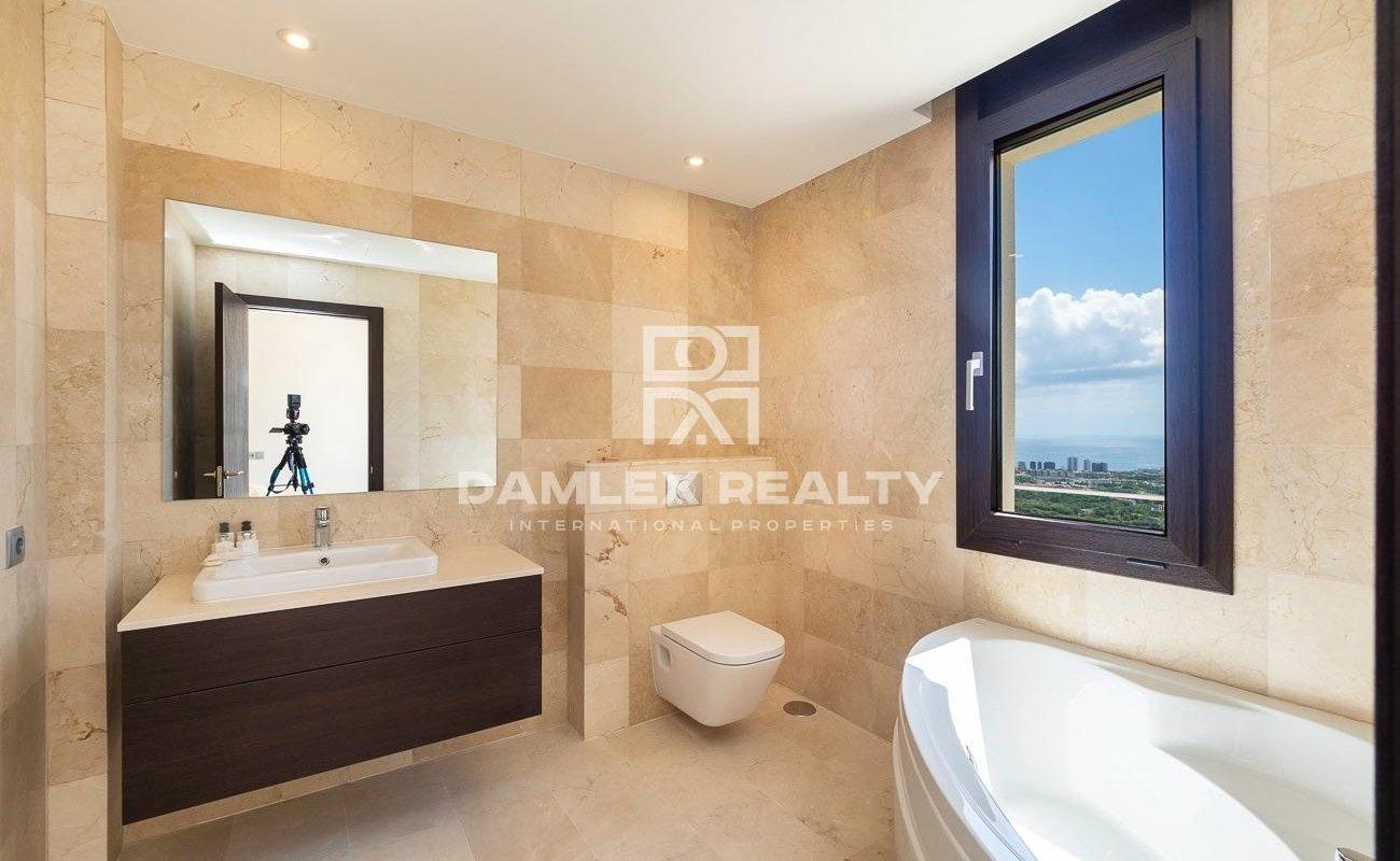 Nueva villa de lujo con vistas panorámicas al mar
